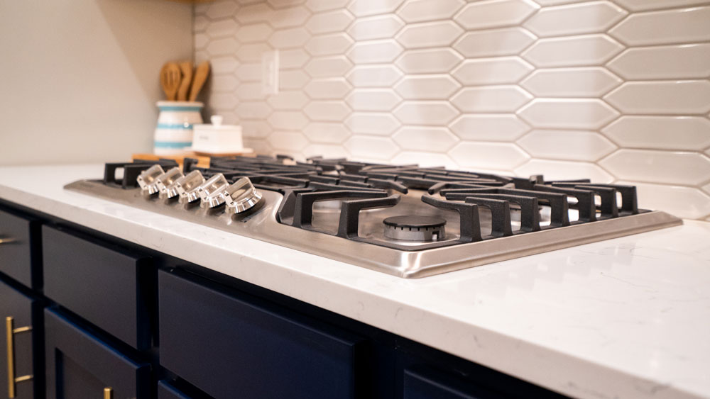 KT-Homes-Navy-and-White-Kitchen-Gas-Stove